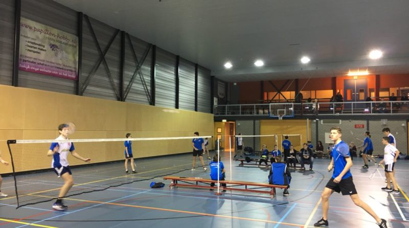 Team 3 onderuit in Hendrik-Ido-Ambacht